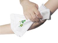 四つ葉シルク垢すりタオル(刺繍)でデコルテケアも